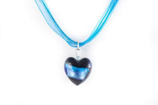 Pendentif Coeur Noir Ruban Bleu et Rose