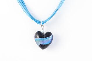 Pendentif Coeur Noir Ruban Bleu Azur, Violet Et Jaune
