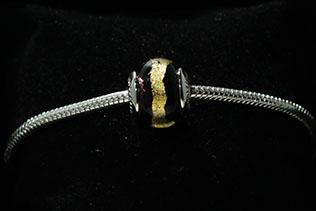 Perle Ronde Noir Or