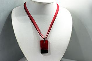 Pendentif Debora Rouge Et Noir