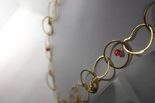 Parure Sefara: Collier, Pampilles Et Boucles d'oreilles Rose