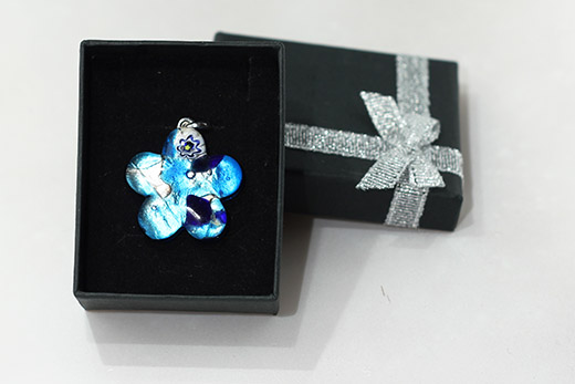 Pentendif Fleur Bleu Turquoise Et Outremer