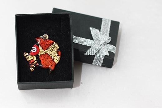 Pendentif Poisson Rouge Et Noir
