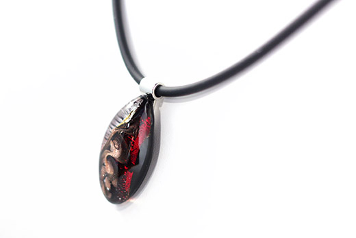collier serena rouge